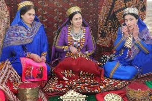Turkmen Ethnographic, Arts & Crafts